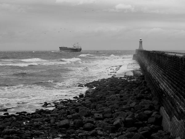to sea by paulpirie