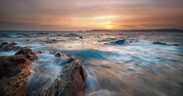 Stormy Sunset by ilocke