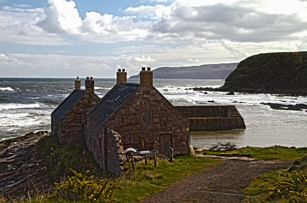Cove Cottages by MWHYORKSHIRE
