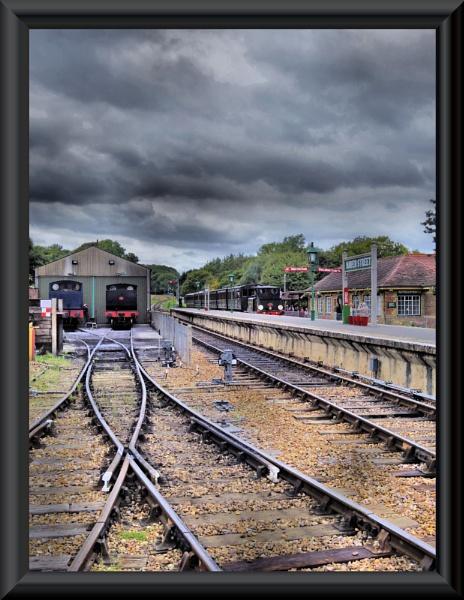 Waiting......isle of wight steam railway by uzi35mm