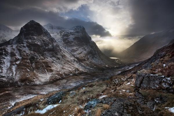 Light in the Glen by Tynnwrlluniau