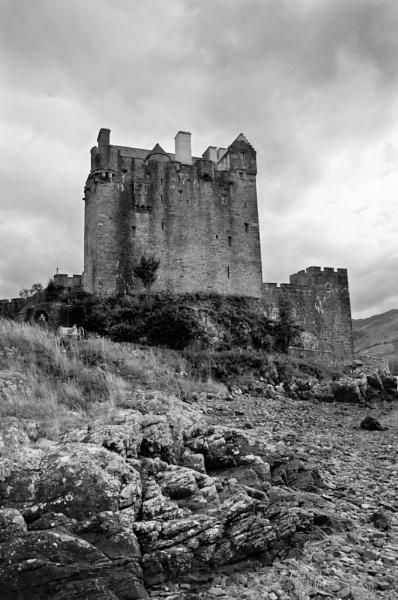Eilean Donan by bugdozer