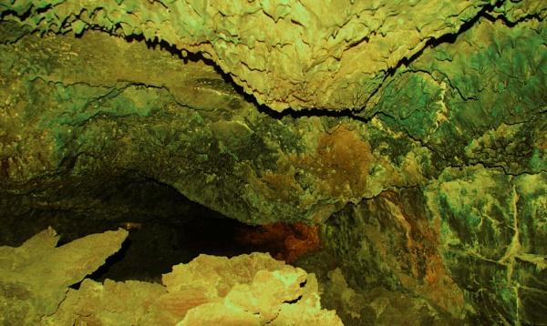 Cueva de los Verdes by Chinga