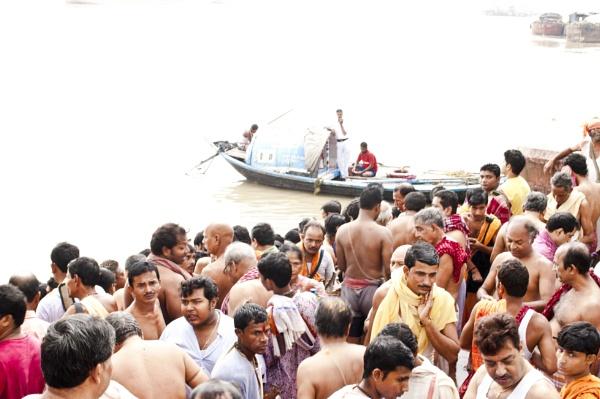 A Hindu ritual. by prabirsenuk