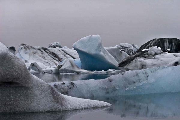 Jokulsarlon Ice Lagoon, Iceland by DCopper