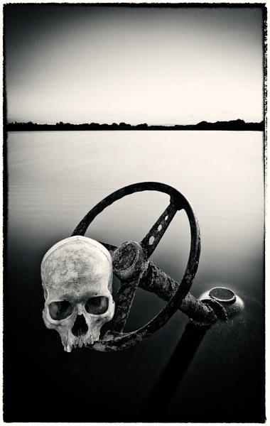Dangerous Driving (Mono) by sherlob