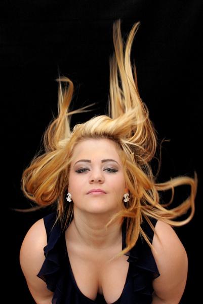Hair flick by Paulgc