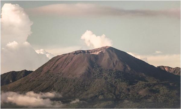 Mount Vesuvius by DicksPics