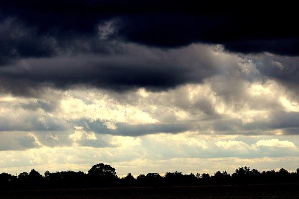 BLACK SKY.... by crissyb