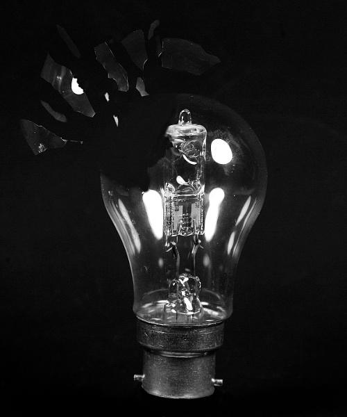Exploding Light Bulb by marlin50