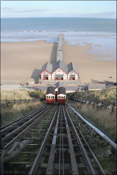 Saltburn cliff lift and pier by mixpics