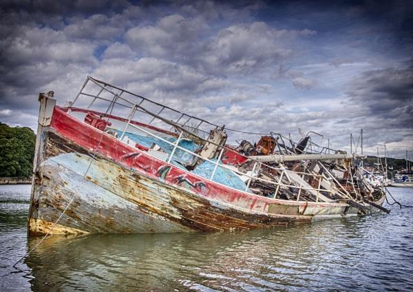 Harbor Wreck by allan64