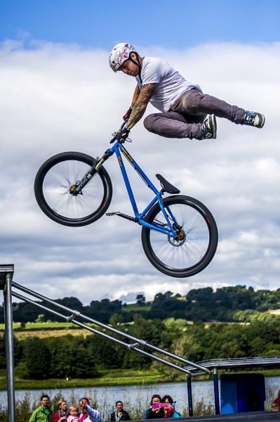 Flying cyclist by WalidD300