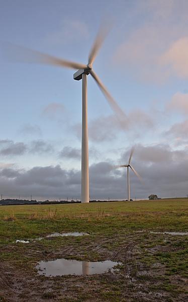 Twin Turbine by Gavin_Duxbury