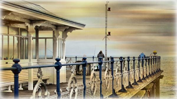 Swanage Pier ( Dorset) by sluggyboy