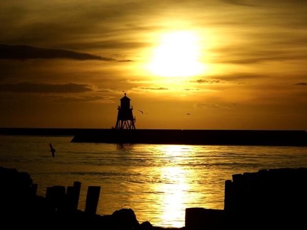 sun rise river by paulpirie