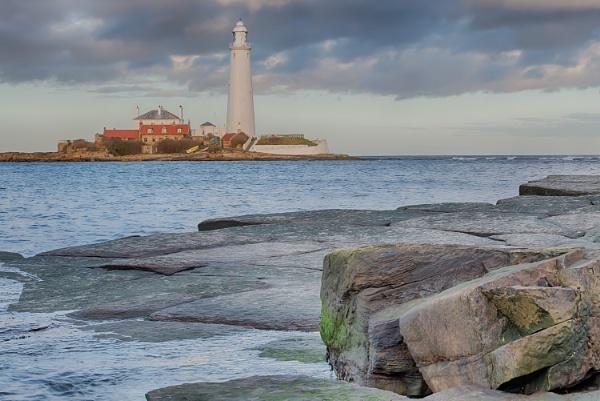 Rocks and a wet plece. by lynks