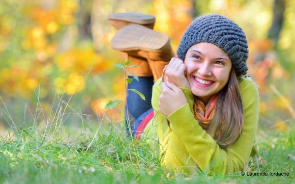 Autumn smile by jordachelr