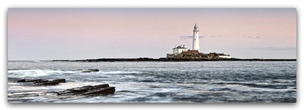 St Mary\'s lighthouse by YorkshireSam