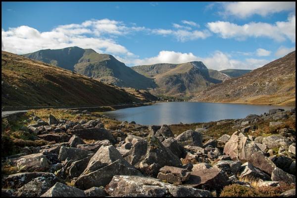 Llyn Ogwen, Snowdonia by bwlchmawr