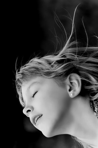 Closed eyes by YNOR