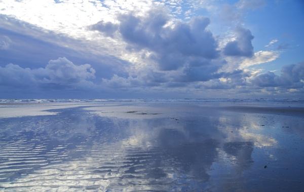 Newborough Beach by DilysT