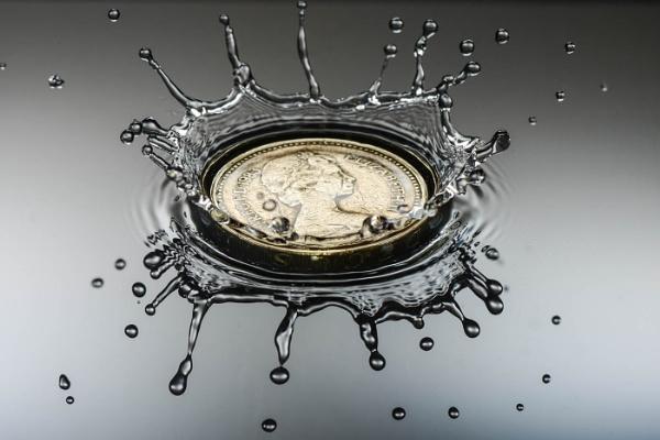 A Drop on the Pound by jumbozine