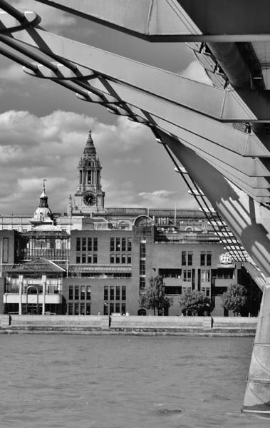 Milenium Bridge Frame by SiHunt_GrafficSnapZ