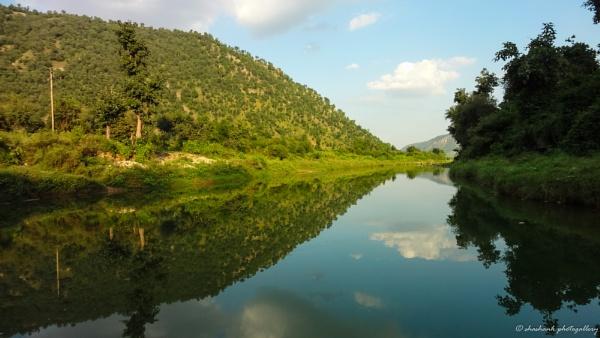nature mirror by shashank4567