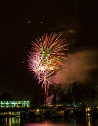 fireworks (billing aquadrome)