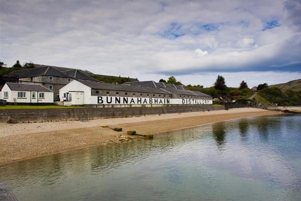 Bunnahabhain Distillery by scootphoto