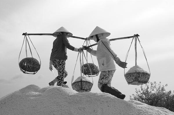 NINH DIEM #2 by JN_CHATELAIN_PHOTOGRAPHY