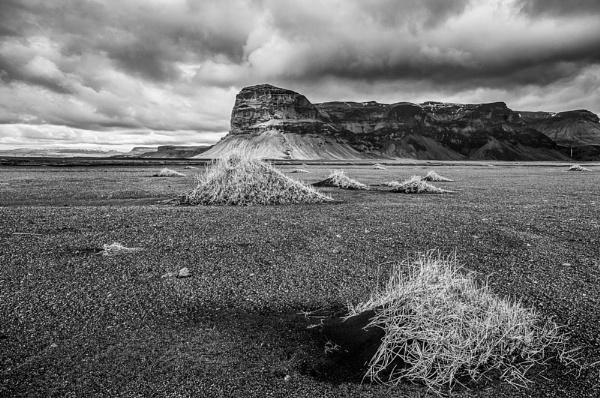 The Skeiðarár Sandur, Iceland by Scutter