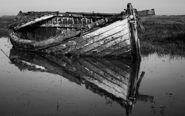 Abandoned boat near Brancaster, North Norfolk by Putnam