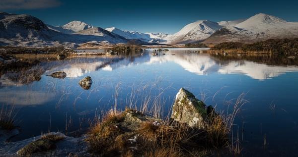 Lochan na h\'achlaise 3 by Phil_Restan