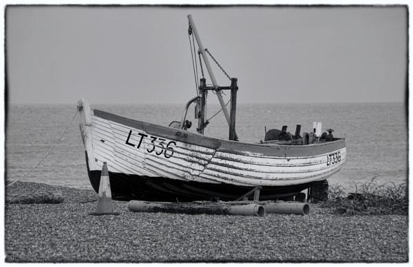 Aldeburgh fishing boat 2 by malleader