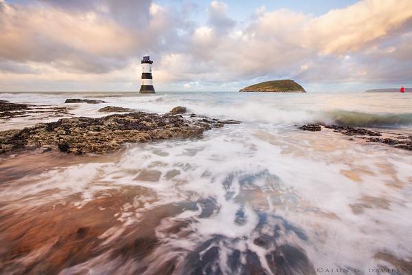 Trwyn Du Lighthouse and Ynys Seiriol by Tynnwrlluniau
