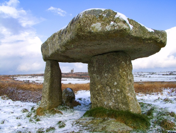 Lanyon Quoit  & Greenburrow Engine House by jhw