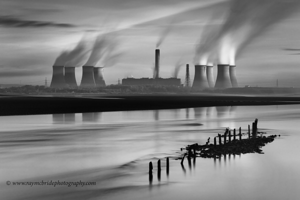 """Fiddlers Ferry Power Station\""(Industrial image in Mono) by razorraymac"