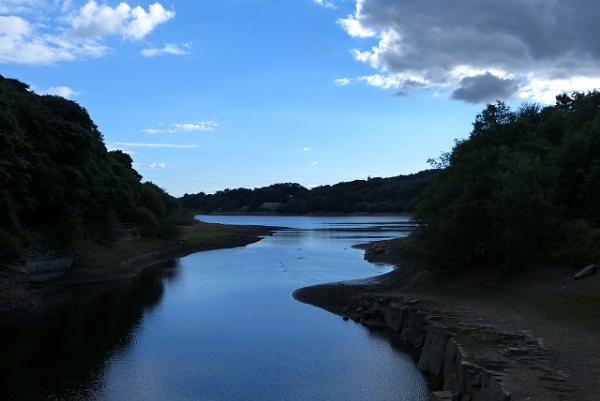 Jumbles reservoir by Barleybank