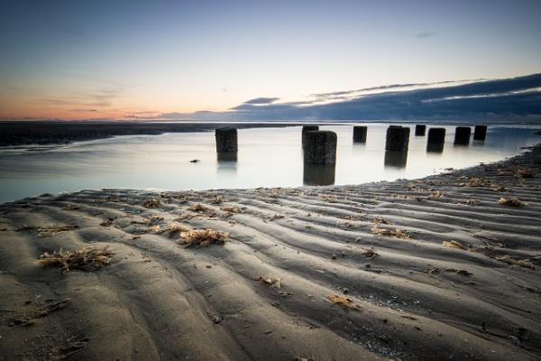 Beach scene by garyg