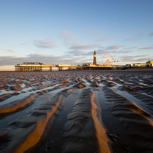 Morning light Blackpool by garyg