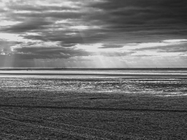 Saint Annes Low Tide by chensuriashi