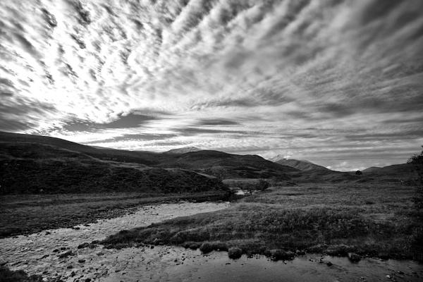 Strathfarrar Sky by stevesloan