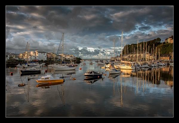 Harbour Light by ColouredImages