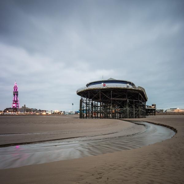 Low tide in Blackpool by garyg