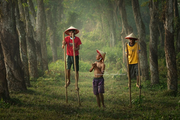 Learning stilts by Rarindra