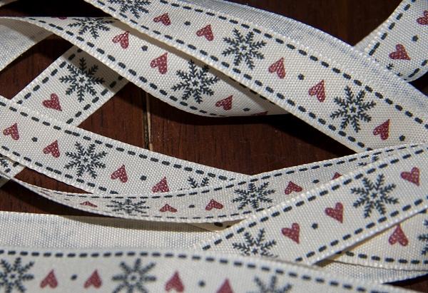 Xmas Ribbon by Bufpuf2009
