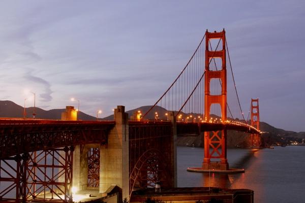 Golden Gate Bridge at Dusk by micra-chameleon