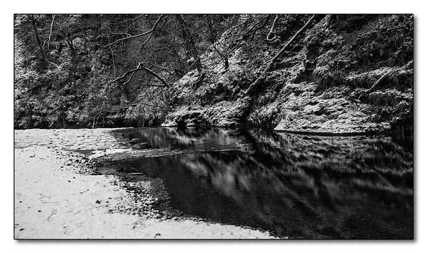 bleak reflection by zapar40